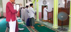 Masjid di Kabupaten Lingga Melaksanakan Sholat Ghaib