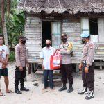 Polres Lingga Beri Bantuan  Bansos Kepada Warga Kurang Mampu